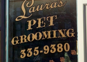 Laura's Pet Grooming Window